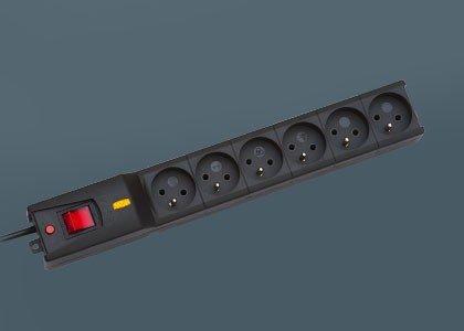 Listwa przeciwprzepięciowa LX 610, 1L, 3,0m, czarna