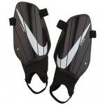 Nagolenniki Nike NK Charge GRD SP2164 010 czarny XL