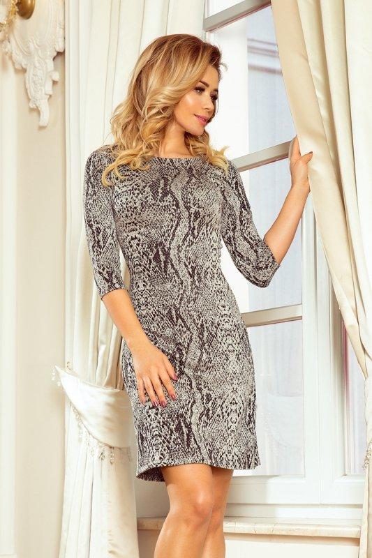Sukienka z rękawkiem i trapezową spódnicą - wzór: skóra węża - numoco  88-18