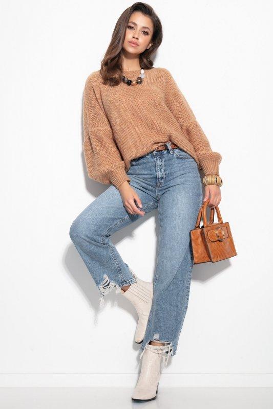 Luźny sweter o oversizowym kroju - F1102-ecru-1