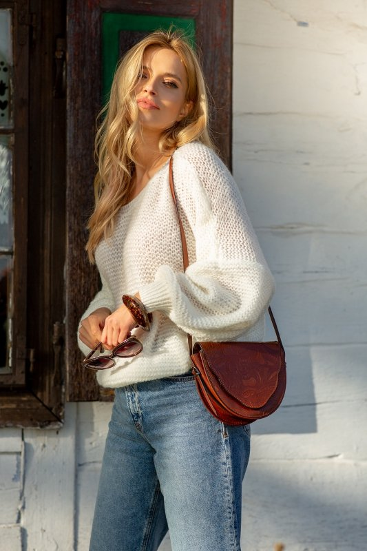 Luźny sweter o oversizowym kroju - F1102-szary-2