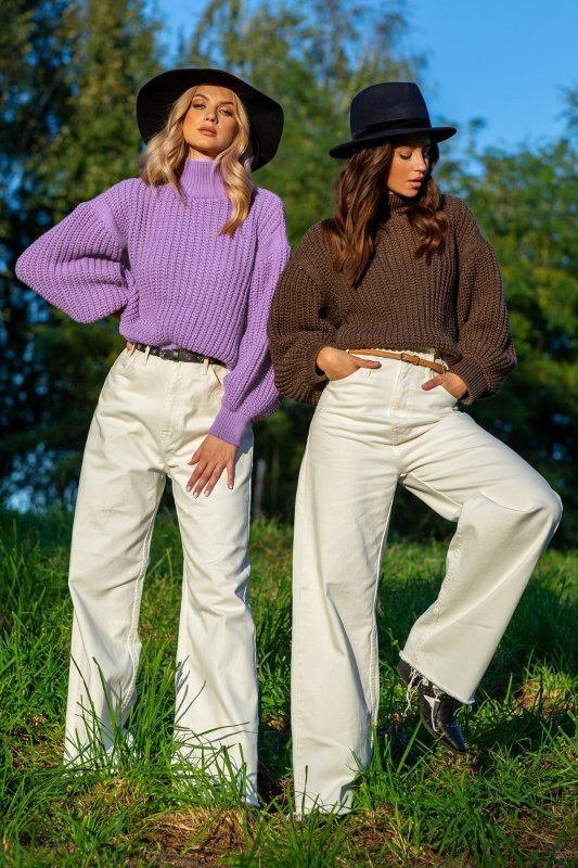 Sweter z golfem F1107