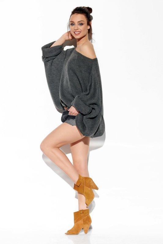 Modny oversizowy sweter odsłaniający ramię -StreetStyle LS277-grafit-2