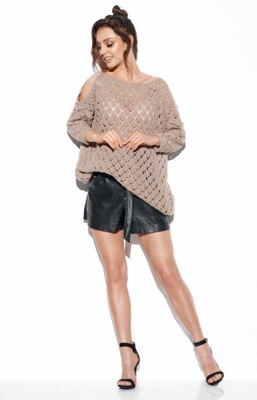 Ażurowy sweter z odkrytymi ramionami -StreetStyle -LS286 - latte