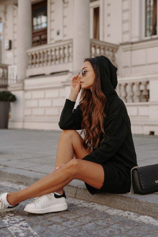 Swetrowa sukienka sportowa z kieszenią -  LSG132 - czarny-1