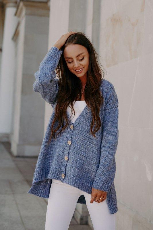 Sweter z guzikami i dłuższym tyłem - LS307-jeans -6