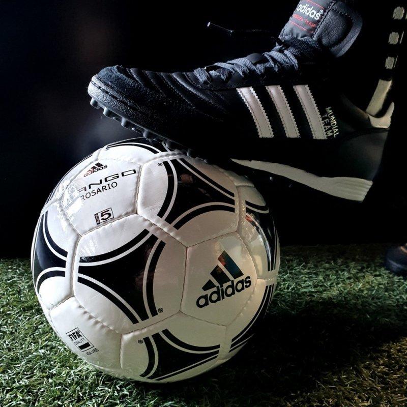 Buty adidas Mundial Team  019228 czarny 46