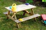 stolik dziecięcy do ogrodu