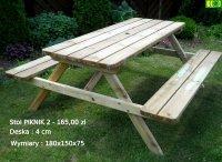 Drewniany stół ogrodowy