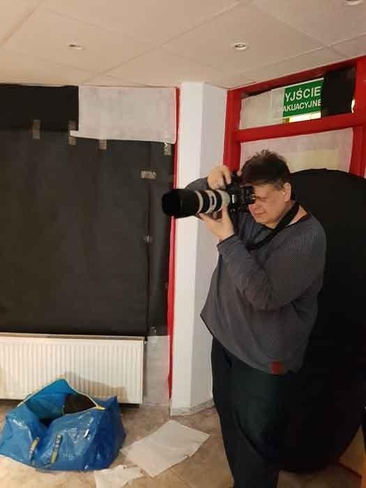 ZESTAW Sesja KOBIECA PORTRET 3x, +9x ZDJĘCIE, +1x WYDRUK W RAMCE 50x70 passe-partout 40x60, 1 osoba w studiu fotograficznym w Toruniu