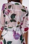 tunika o koszulowym kroju z lekko wydłużonym tyłem i rozcięciami po bokach
