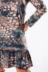 trapezowa sukienka z falbanką na dole