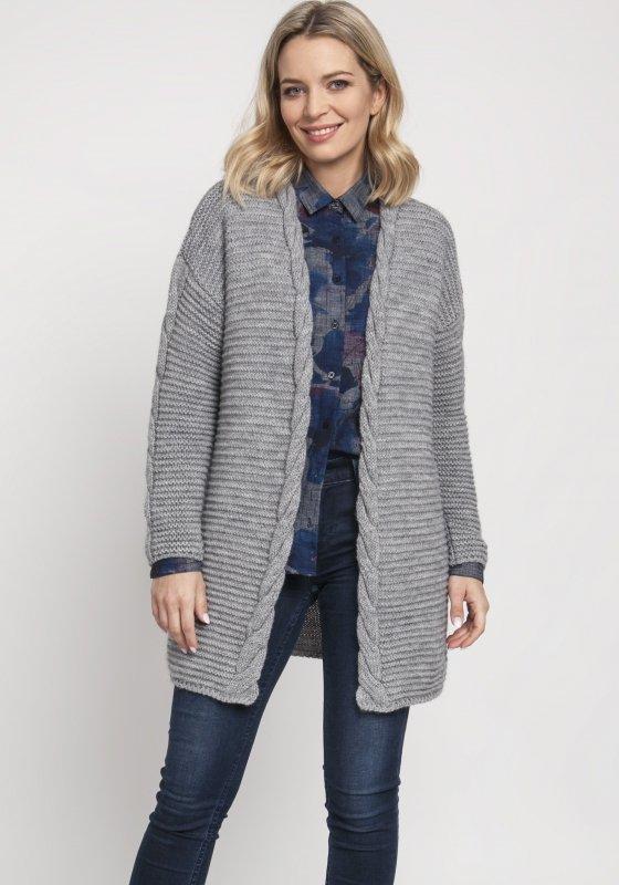 długi sweter z warkoczem