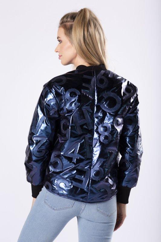kurtka bomberka z metalicznym połyskiem i tłoczonym wzorem