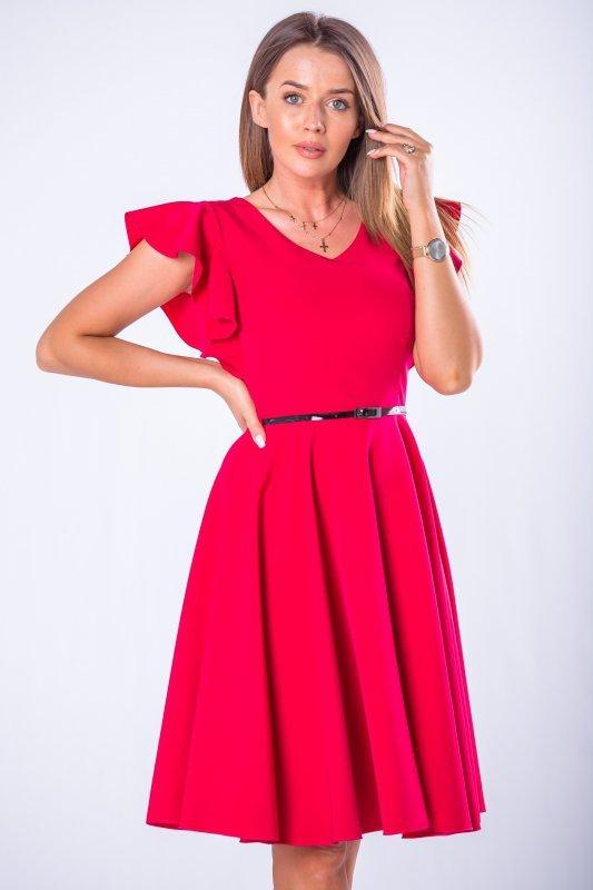 koktajlowa sukienka z paskiem i falbankami na rękawach