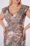 połyskująca sukienka z zakładkami