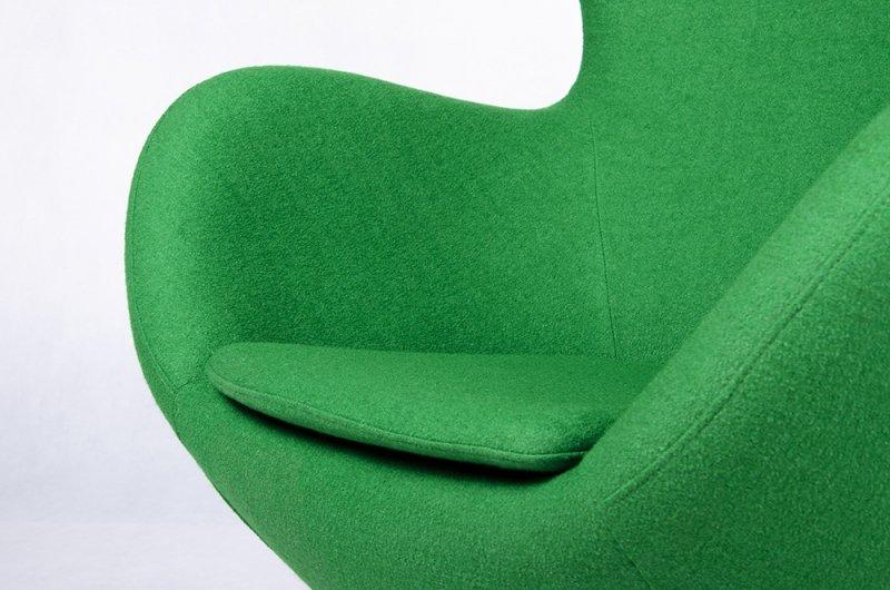 Fotel EGG SZEROKI GOLD zielony.10 - wełna, podstawa złota