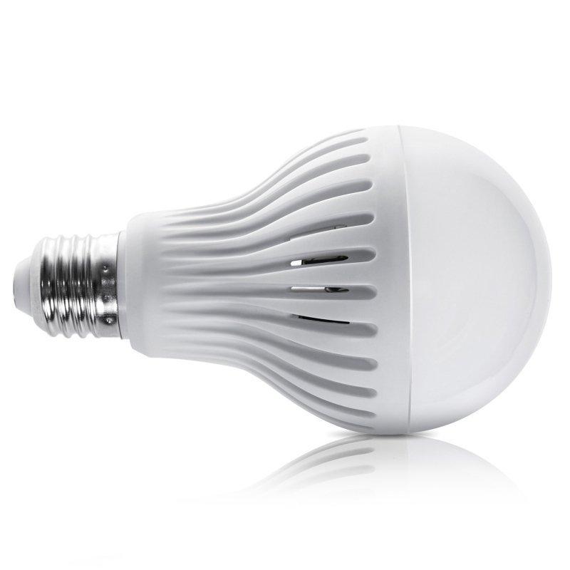 Żarówka LED E27 12W 230V Maclean Energy MCE176 WW ciepły biały mikrofalowy czujnik ruchu i zmierzchu