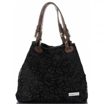 Włoska Torebka Skórzana firmy Vittoria Gotti z tłoczonym wzorem Kwiatów Czarna