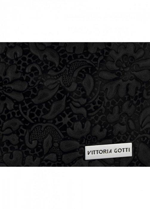 4a8f5714692ee Włoska Torebka Skórzana firmy Vittoria Gotti z tłoczonym wzorem Kwiatów  Czarna