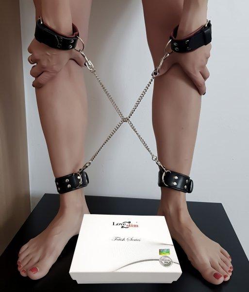 Skórzane kajdanki damskie z regulacją - zestaw