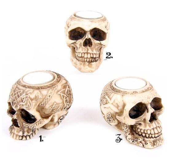 świecznik w kształcie czaszki