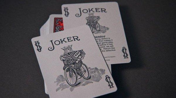 Tragic Royalty - talia klasycznych kart do gry w pokera w stylu zombie