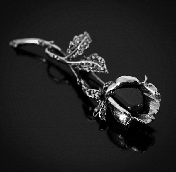 biżuteria z naturalnym onyksem - broszka Czarna Róża - Onyks