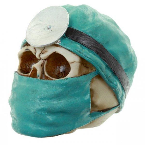czaszka lekarza doktora chirurga - figurka