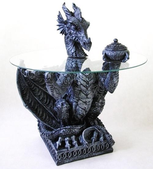 Smok ze Szkatułką - stolik w kształcie smoka, ze szklanym blatem