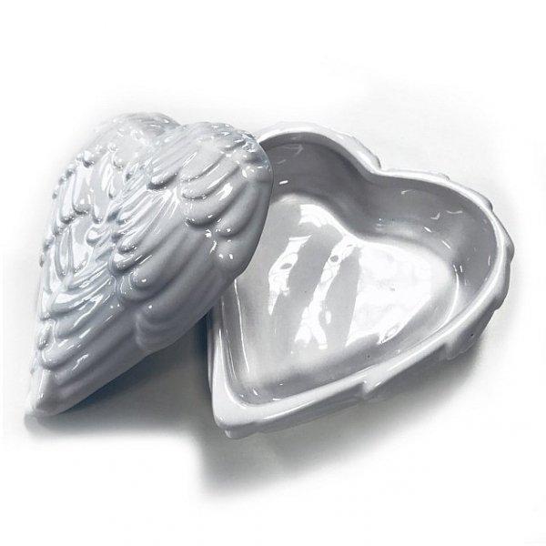 szkatułka w kształcie serca ze skrzydeł anioła anielskie skrzydła pudełko