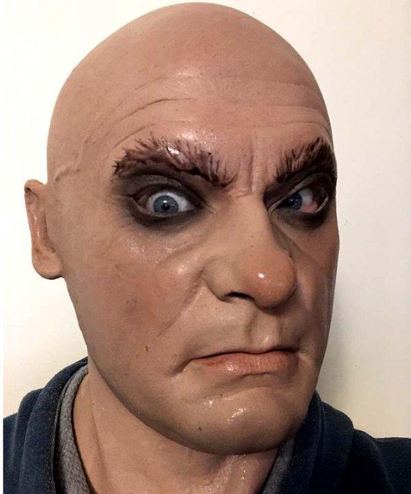 Twarz meska maska wielkie oczy