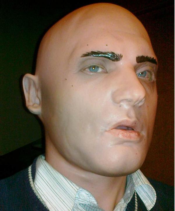 Lateksowa maska młody artysta