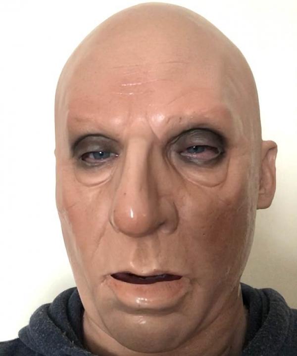 Maska Boss maska otwiera usta