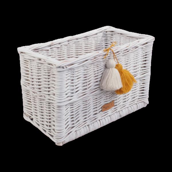 Skrzynka biała z pomponami (35cm) - sklep z wiklina - zdjęcie