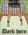 Kajdanki na nogi z długim łańcuchem Dark Horn na modelce