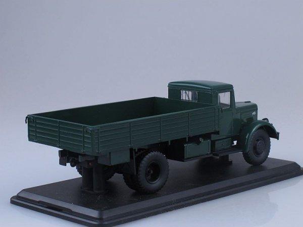 MAZ-200 Flatbed Truck (dark green)