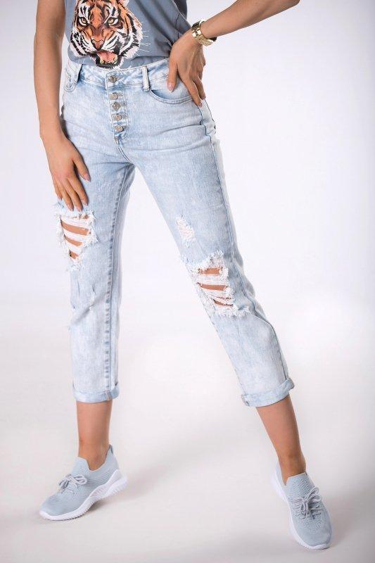 jeansy mom fit z dziurami
