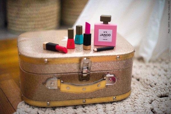 Kosmetyczka z akcesoriami małej Miss
