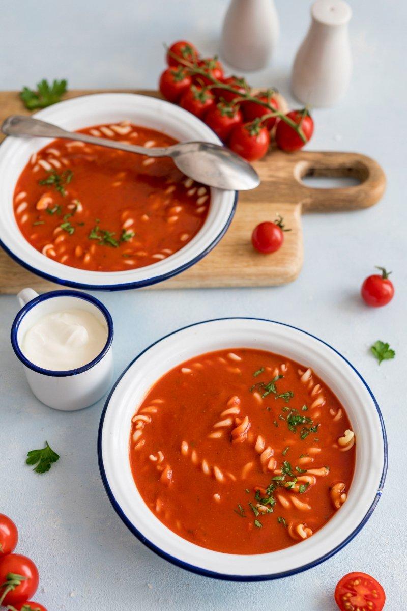 Zupa krem pomidorowa zagęszczona 1,1 kg = 2,5 l zupy