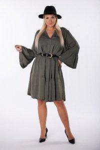 trapezowa sukienka z szerokimi rękawami