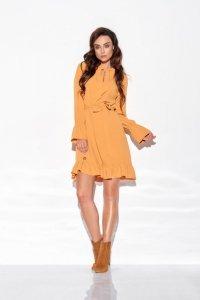 Sukienka z falbanką i wiązaniem przy szyi kolor L 317