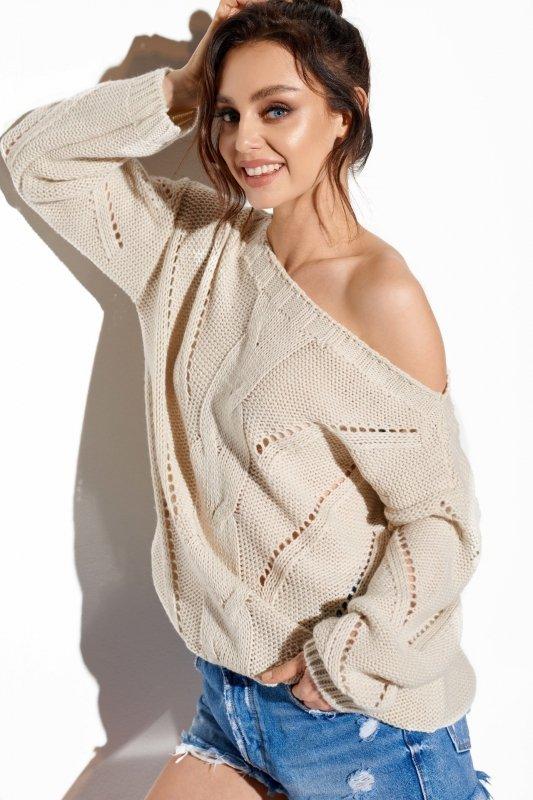 Ażurowy sweter z warkoczem LS287