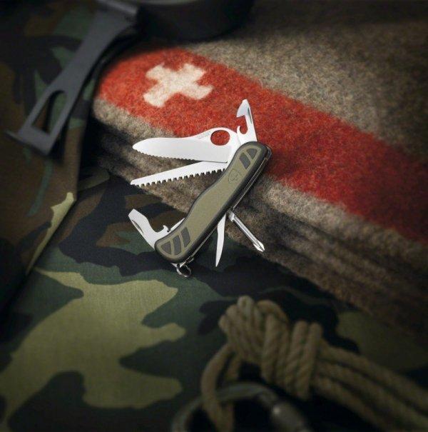 Nóż Szwajcarskiej Armii Victorinox 0.8461.MWCH + pudełko