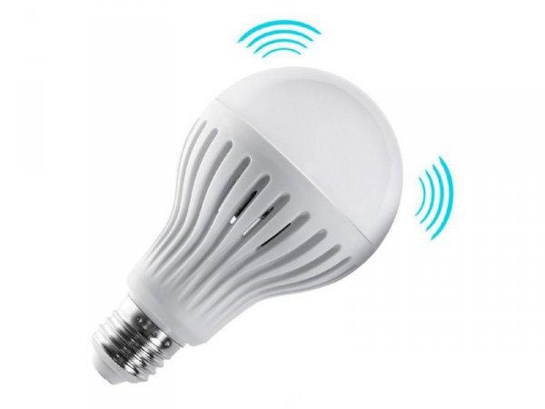 Żarówka LED E27 Maclean MCE177 WW 9W 230V ciepły biały mikrofalowy czujnik ruchu i zmierzchu