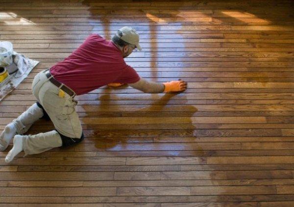 Konserwacja/Czyszczenie podłogi drewnianej