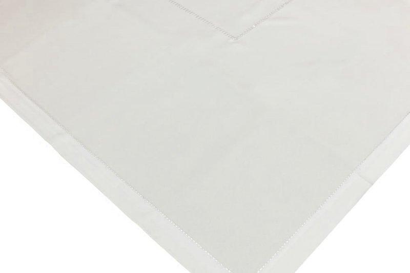 Obrus z mereżką rozmiar 85x85 wzór ecru  (200)