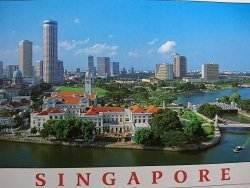 SINGAPORE. EMPRESS PLACE AGAINST THE BACKDROP OF