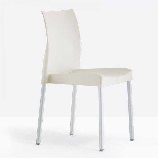 Stylowe krzesło Ice 800 Pedrali w kolorze kości słoniowek