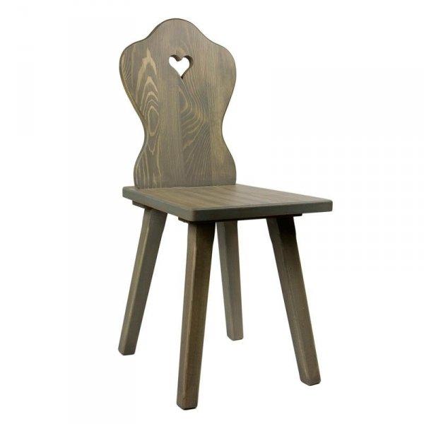 Drewniane krzesło z sercem Gie El